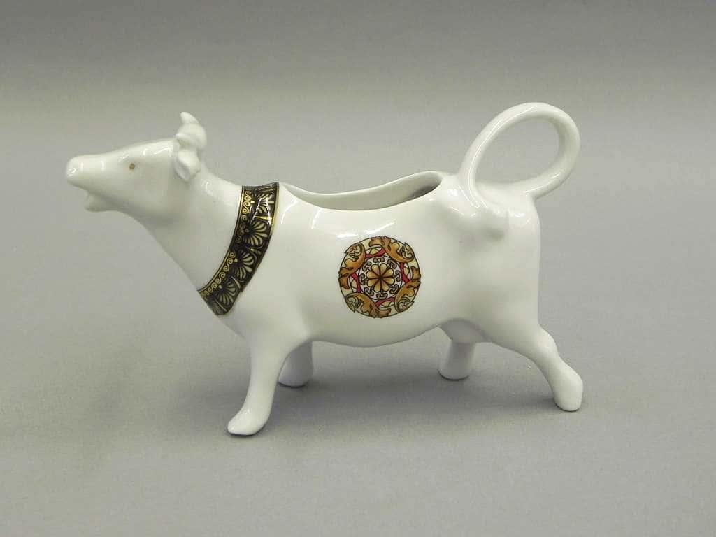 Сливочник-корова 70мл Сабина Красная лента