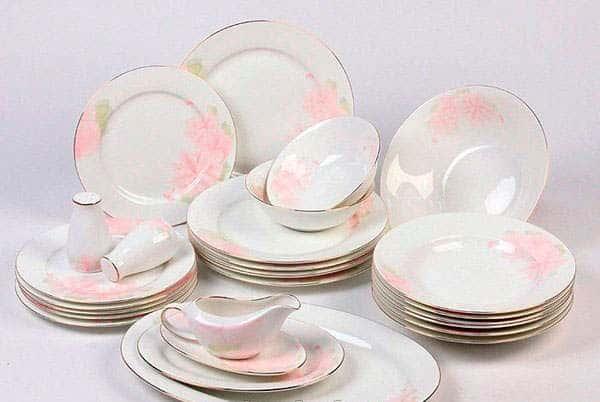 Розовые цветы Столовый сервиз Royal Classics на 12 персон 50 пр