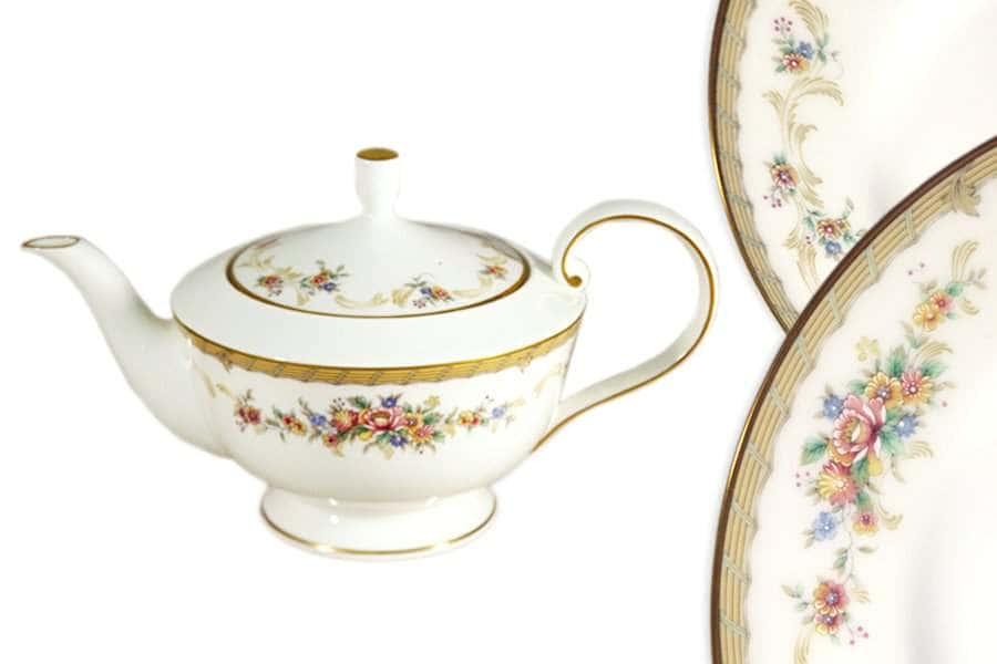 Чайник с крышкой Наслаждение Narumi Индонезия