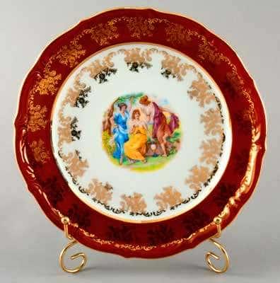 Мадонна красная Набор тарелок Bavarian Porcelain 24 см.
