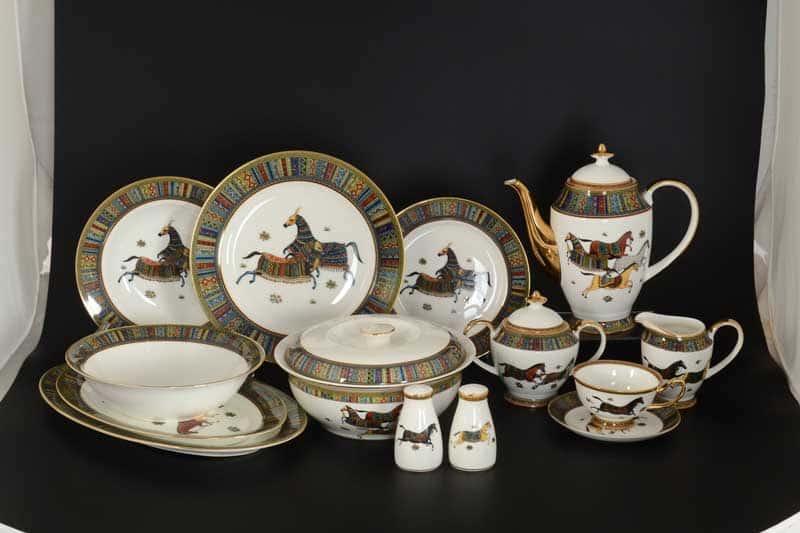 Лошади Столово-чайный сервиз Royal Classics на 6 персон 42 предмета
