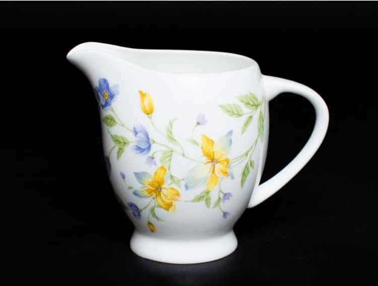 Сиреневый цветок Молочник 10 см костяной фарфор Rulanda