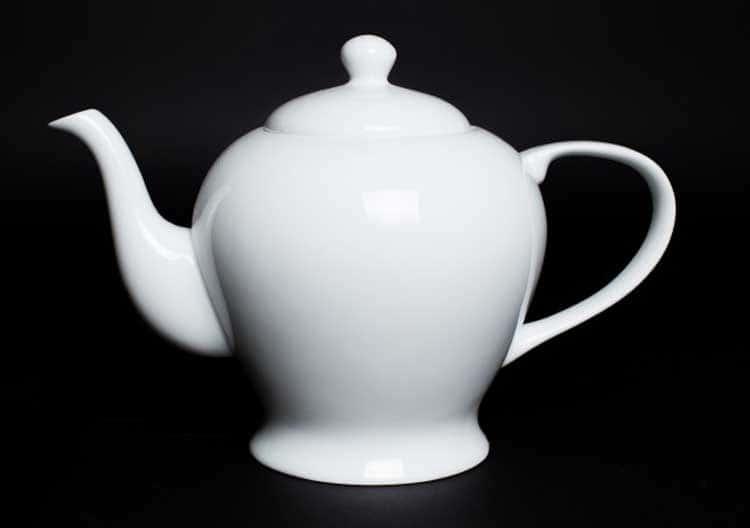 Белый Чайник из костяного фарфора 1 литр Rulanda