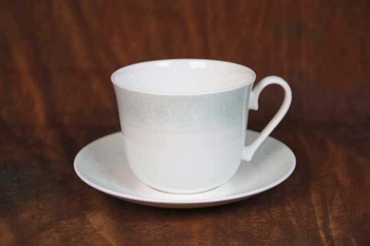 Дионис-Аквамарин Костяной фарфор АККУ кружка джамбо 500 мл с блюдцем 16,5 см