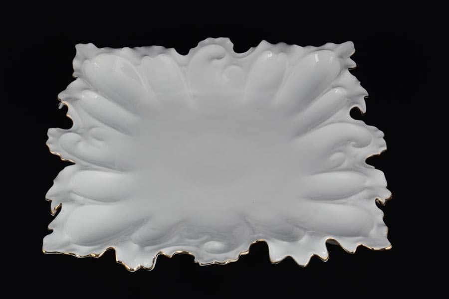 Блюдо фигурное квадратное 41 см Белый узор Корона