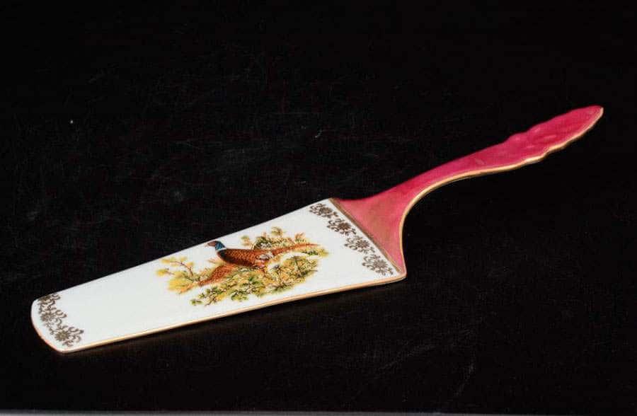 Охота красная Корона Лопатка для торта QC 24 см