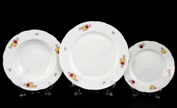 Мелкие цветы Набор тарелок Thun 18 пр
