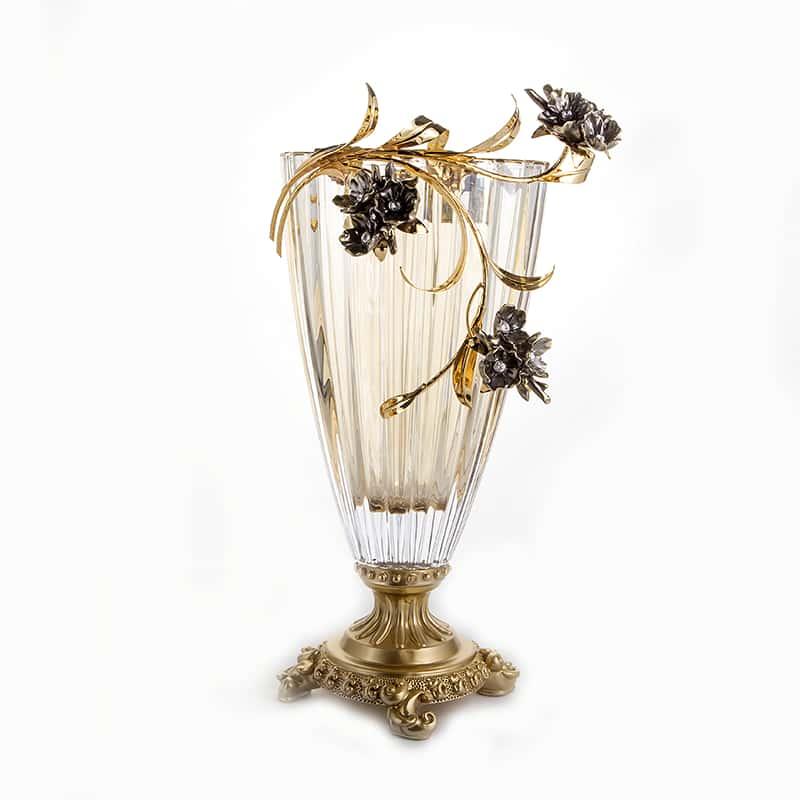 Чевик Черные цветы Ваза для цветов на ножке