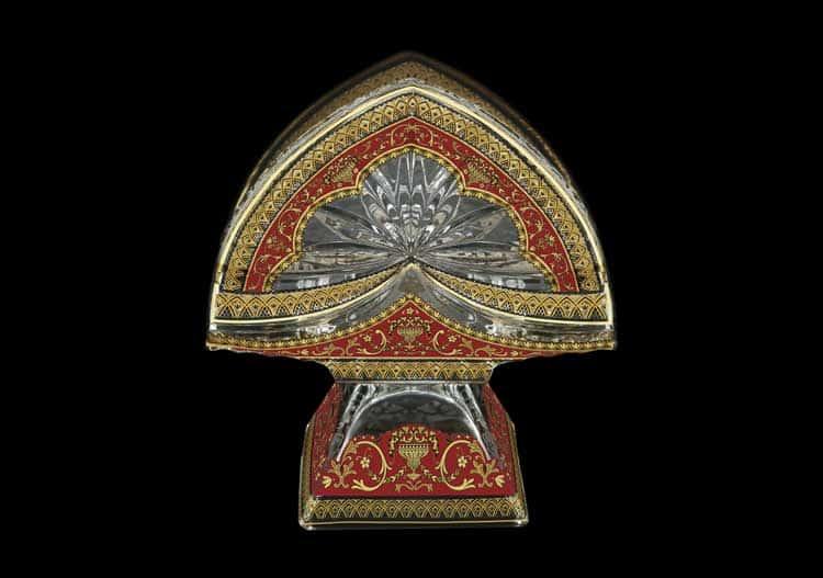 Версаче Глава Лаура красная Салфетница на ножке 11 см Astra Gold