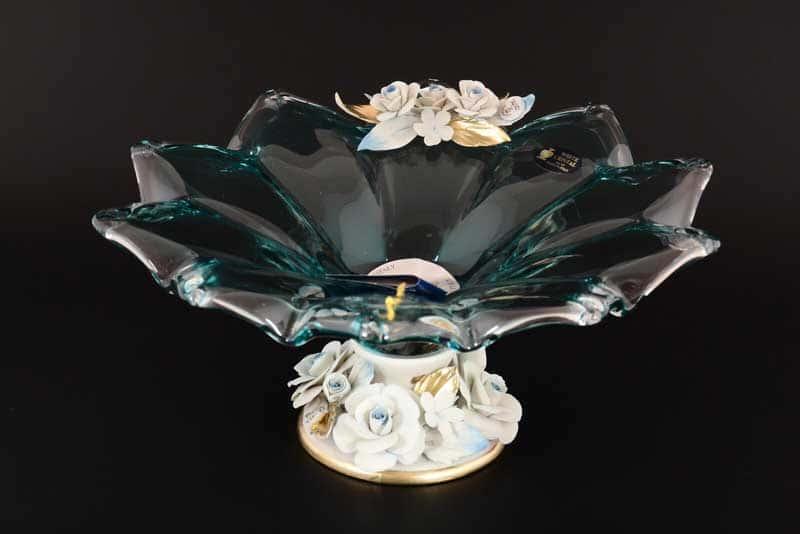 Ваза для фруктов White Cristal на ножке голубая из стекла