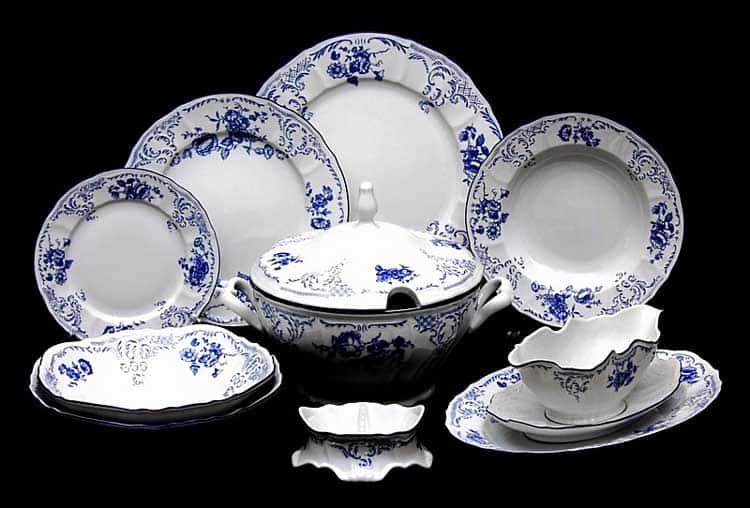 Бернадотт Синие розы 24074 Столовый сервиз на 12 персон 67 предметов