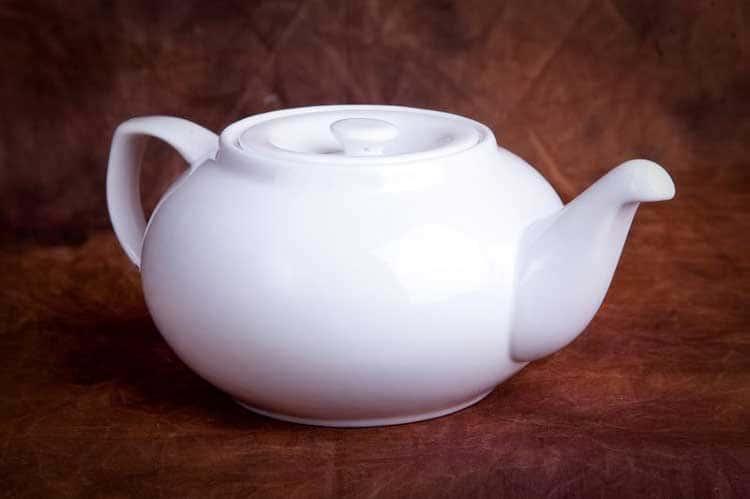 Классика Костяной фарфор АККУ в/с Заварочный чайник с крышкой 900 мл