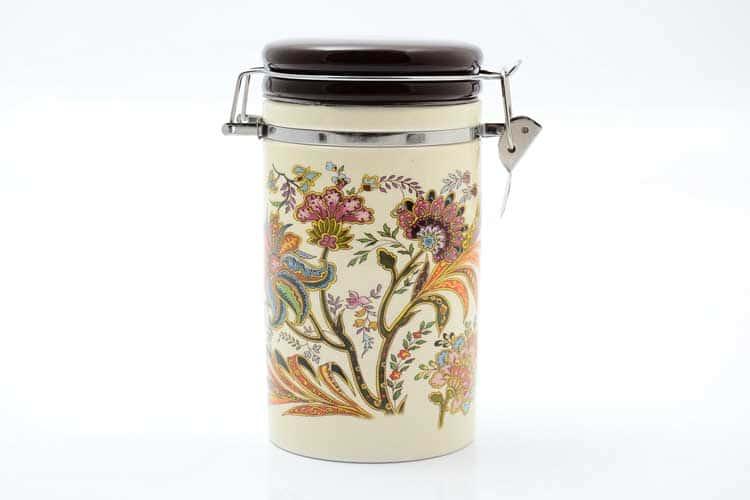 Цветы Банка для сыпучих продуктов 900 мл. 12*10*17 см Royal Classics