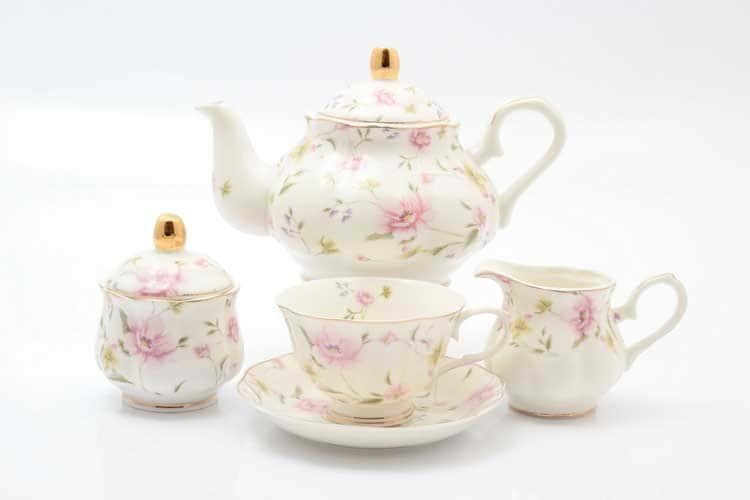 Розовые цветы Чайный сервиз 15 предметов Royal Classics