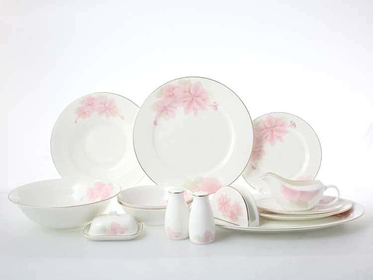 Розовые цветы Столовый сервиз на 6 персон 30 предметов Royal Classics