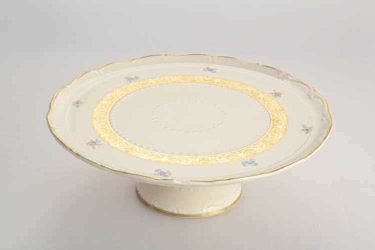 Тарелка для торта на ножке Мария Луиза Слоновая кость золото Carlsbad 32 см