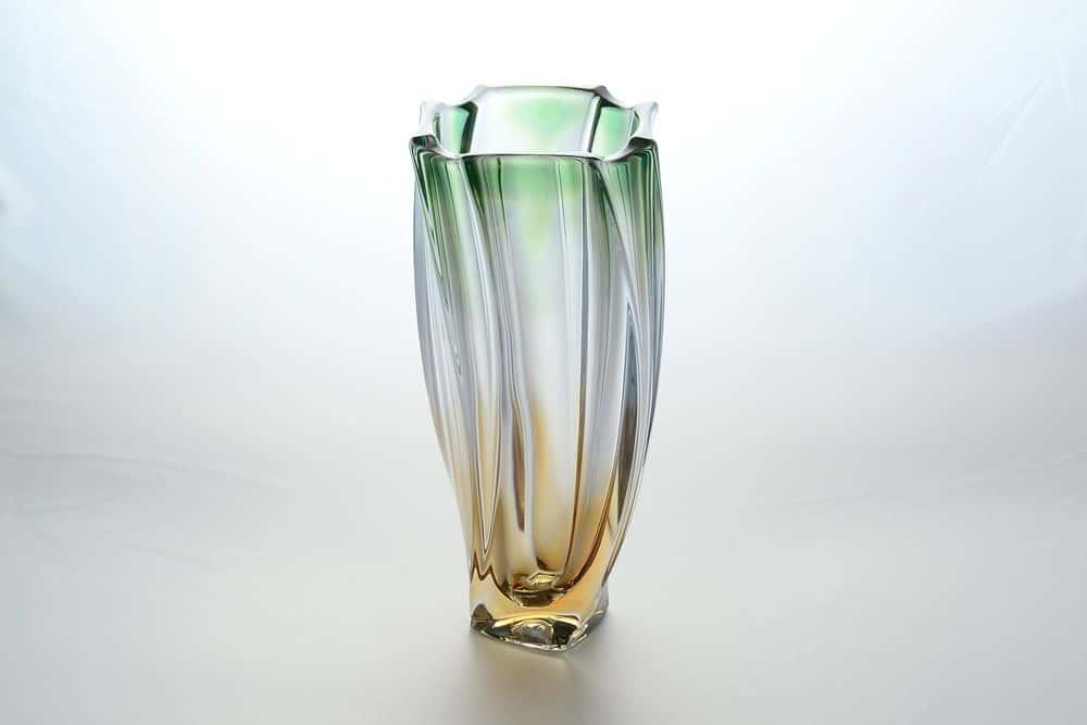 Ваза для цветов зеленая 30 см Neptune Bohemia Gold