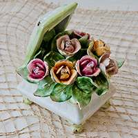 Шкатулка Цветы квадратная на ножках Lanzarin Ceramiche